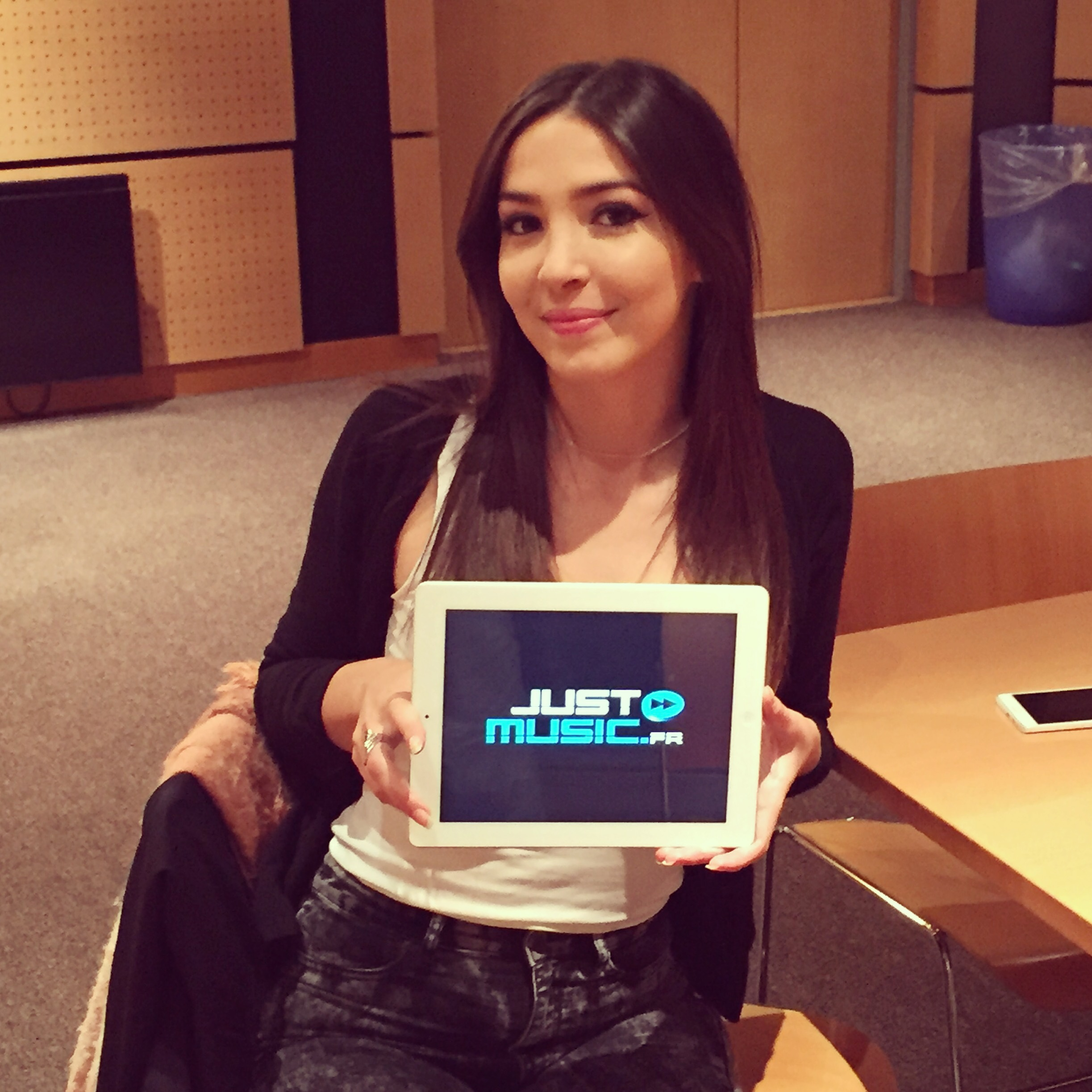 Ally Hana JustMusic.fr Interview