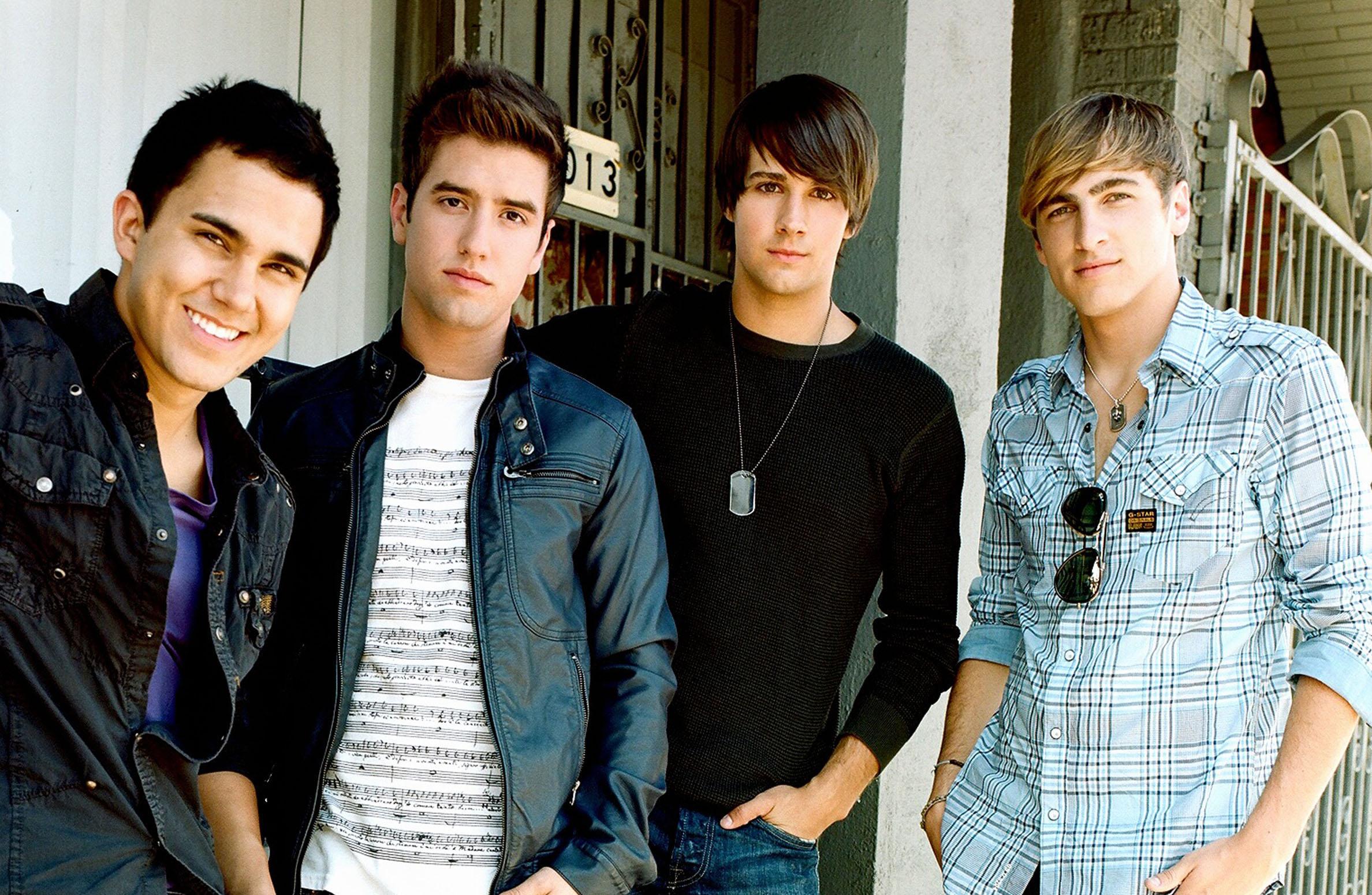 L-R Carlos Pena, Logan Henderson, James Maslow, Kendall Schmidt of Nickelodeon's Big Time Rush. credit : Sony