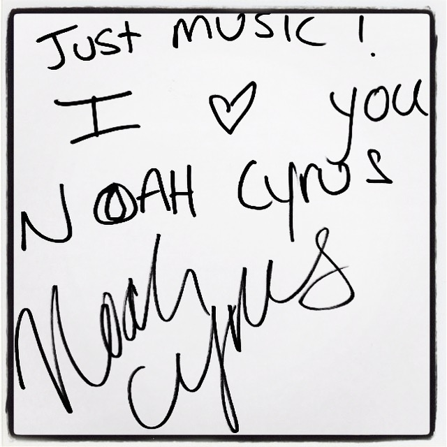 Noah Cyrus Dédicace JustMusic.fr